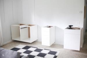 Сами организовали дома большой встроенный стол на два рабочих места. Это проще, чем кажется: делюсь инструкцией