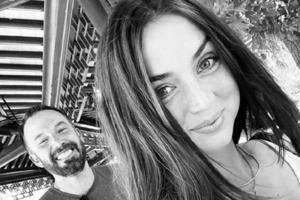 Ана де Армас подарила Бену Аффлеку на день рождения улыбку: актер буквально светится от счастья