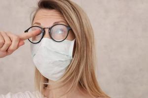 Врач Евгений Хорошев рассказал о травмоопасных свойствах маски