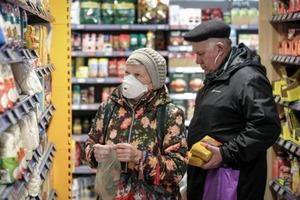 Неформальное обсуждение: чиновники начали уговаривать производителей не повышать цены на продукты