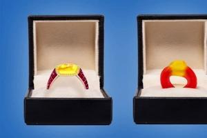 Обручальное кольцо, вдохновленное конфетами «Харибо», продается за совсем несладкую цену