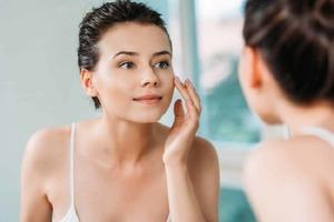 Детокс изнутри и снаружи и не только: как восстановить кожу лица после зимы