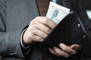 Мнения разделились: россиянки назвали сумму, которую должен зарабатывать мужчина