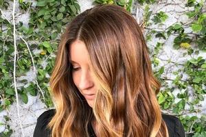 Темный шоколад или ореховый оттенок: как красить волосы в 2021 году, чтобы быть на пике моды