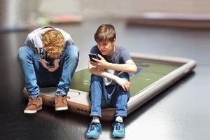 Безопасный контент: до конца года во всех школах России появится не только Wi-Fi, но и ограниченный доступ только к проверенным сайтам