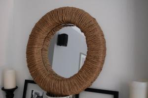 Как из веревки и поролона сделать красивую раму для зеркала. Смотрится очень оригинально, а на все потребуется не более часа