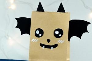 """К Хэллоуину сделали с ребенком таинственную сумочку """"Летучая мышь"""""""