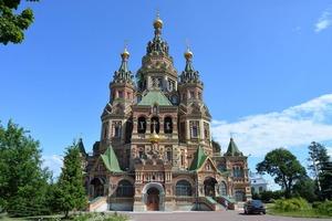 В Петергофе завершилась реставрация куполов собора Святых Петра и Павла