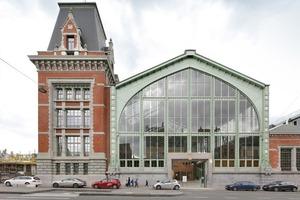 Старый морской вокзал в Брюсселе переделали в деревянный торговый центр. Благодаря ремонту здание только выиграло