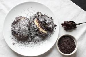 Кнедлики с вареньем в маке и сахарной пудре: рецепт
