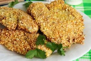 """Вчера приготовила филе рыбки в """"золотой шубке"""" из кукурузных хлопьев. Домашние даже не поняли, что это был обычный минтай"""