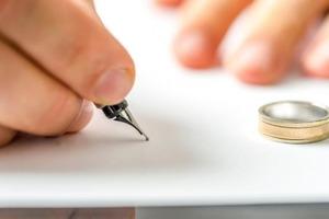 Бумажки нет: в России перестанут выдавать бумажные свидетельства о разводе