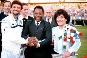 Марадона или Пеле: знатоки спорили о том, кто был лучшим футболистом в истории, но к единому мнению не пришли