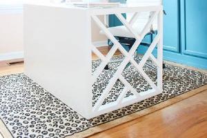 Стол, за которым хочется работать: мастерим мебель с резной и очень красивой боковиной
