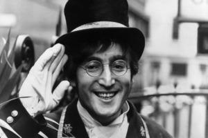 """""""Что бы мы ни говорили, это всегда не то, что мы хотим сказать"""": лучшие цитаты Джона Леннона в день памяти культового музыканта"""
