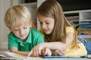 Что думают психологи о раннем обучении детей чтению и действительно ли нужны кубики Зайцева