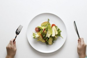 От одних диетологов слышу, что есть нужно пять раз в день, от других - что достаточно трех. А какой режим питания будет оптимальным
