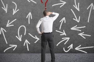 Думаем, что уже все знаем: действия, тормозящие развитие в карьере