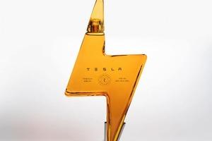 """Текила от """"Теслы"""": почему название """"Теслакила"""" оказалось неудачным, и как пустая бутылка теперь продается за 700 $"""