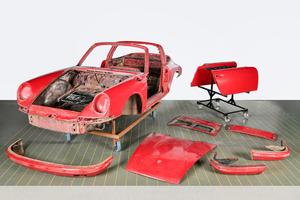 Как новенький после 40 лет в гараже: Porsche Classic провел заводскую реставрацию первого 911 S Targa 1967 года выпуска