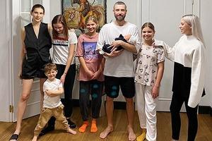 Владимир Кристовский из Uma2rman отмечает юбилей: два брака и шестеро детей исполнителя