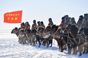 """Даже лошадки помогают осваивать космос: кавалерийской бригаде в Китае отведена важная роль в возвращении капсулы """"Чанъэ-5"""""""