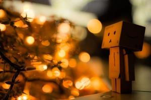 Отсутствие поддержки, завышенные ожидания и другие причины, почему мы чувствуем себя одинокими в праздничные дни. Как справиться с этим, осо