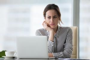 Отпугиватель мужчин: завышенная самооценка и еще 10 привычек поведения женщин, которые очень не любят представители противоположного пола