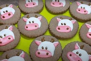 """Праздничная выпечка: быстрое печенье """"Бычок"""" к Новому году"""