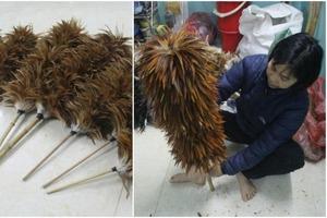 Вьетнам: жители деревни разбогатели благодаря уникальной профессии, освоив производство метел из куриных перьев