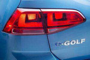 Последний электромобиль сошел с конвейера: Volkswagen e-Golf официально снят с производства