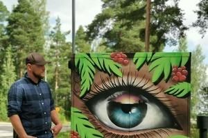 """Местного художника в небольшом городке попросили разрисовать трансформаторные будки, чтобы вандалы не испортили их. """"Опасные коробки"""" стали"""