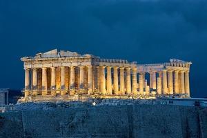 Акрополь становится более доступным для путешественников. Греция установит новый лифт и обновит пешеходные дорожки в 2021 году