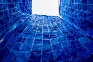 Эфемерная бумажная инсталляция в городе Мексики - символ границ и восприятия пространства