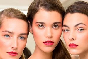 Косметическая индустрия изменилась в пандемию. Мыло, открытый состав, жидкая помада: тренды 2021 года