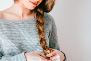 7 масел, благодаря которым волосы очень хорошо растут: как приготовить из них домашнюю эффективную сыворотку