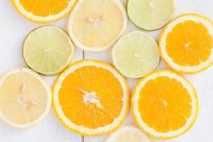 Лимонный сок поможет регенерации кожи. 4 домашних способа убрать шрамы от прыщей