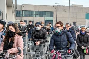 Дроны, боты и электронная коммерция: как покупки во время пандемии ускорили переход с офлайн-магазинов на виртуальные примерно на 5 лет