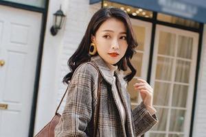 Пальто нравятся девушкам за теплоту и стиль: как не допустить ошибку при выборе, чтобы не выглядеть тетей