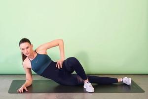 Комплексы тренировок для сильных и красивых ног от фитнес-тренера Сиван Фэган