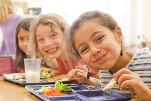 Меню, как в ресторане. Пять правил школьного питания во Франции (нам бы тоже такое не помешало)