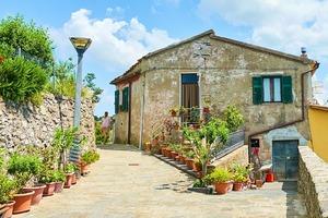 Кастропиньяно, Лауренцана, Салеми и другие итальянские городки, где можно купить дом за 1 евро