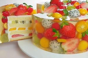 Восхитительно вкусный и красивый фруктово-желейный чизкейк с ванильным бисквитом: домочадцы будут в восторге