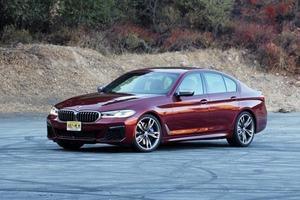 Обзор BMW M550i xDrive 2021 года: мощный седан с двигателем V8 и шикарным интерьером