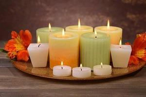 Черная, белая, золотистая: как с помощью свечей заманить в дом удачу и благополучие