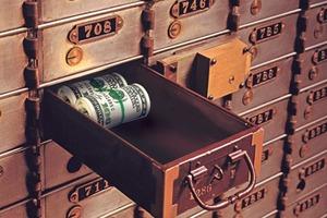 Что лучше выбрать вместо депозита в банке: эксперт рассказал, что открытый паевой инвестиционный счет будет лучше