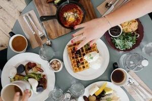 Сахар и мясо: диетолог Екатерина Бурляева рассказала, от каких продуктов стоит отказаться во время ковида