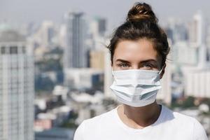 Золотой товар. Медицинские маски вошли в топ самых продаваемых продуктов в 2020 году