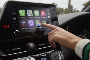 Крупное обновление Android Auto: обои, новые голосовые возможности и другие новинки