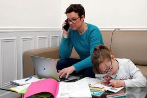 Помощь детям с домашним заданием и не только: как избежать выгорания при работе из дома